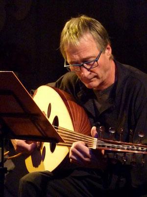 Concert solidaire à Argentat samedi 14-09 – Oud – avec Olivier Payrat et un musicien Lybien