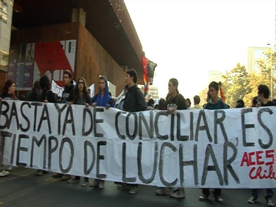 """Projection-débat des films chiliens  """"Caimanes - As Aguas Robadas"""" et """"Basta ya de conciliar, es tiempo de luchar"""" @ Cinéma VEO Tulle"""