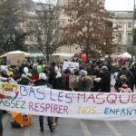 «Il faut urgemment mettre fin au port du masque pour les enfants»