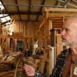 Retour dans l'atelier de Peter Blok, architecte écologique à Argentat sur Dordogne
